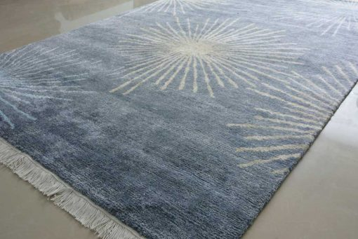 Gift for Generations by Avioni-Hand Knotted Premium Kashmiri Silk Grayish-Blue Carpet Guaranteed Hand Made 225 Knots per Sq inch- 122 cm x 183 cm (4 x 6 feet)