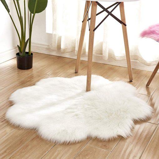 Avioni Flower Shaped Rug | Shaggy Fur | White Modern Design | Loomkart