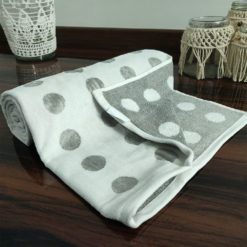 Avioni 100% Cotton Premium & Luxury Soft Linen Bath Towels in White Silver Polka Dot Finish